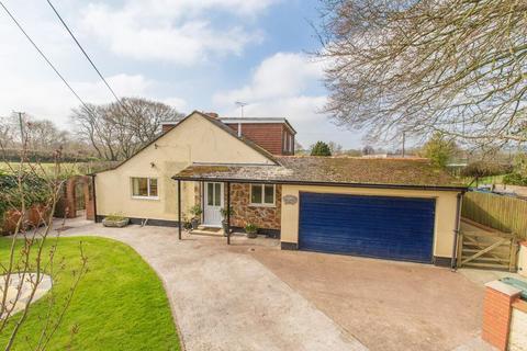3 bedroom detached bungalow to rent - Millham Bungalow, Bow