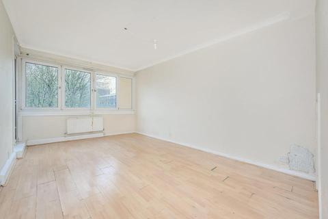 2 bedroom flat for sale - Rainsborough Avenue, London SE8