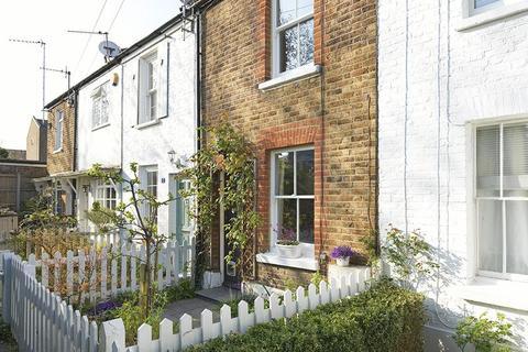 2 bedroom terraced house for sale - Howard Street, Thames Ditton, KT7