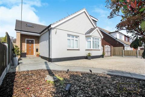 3 bedroom chalet for sale - Ethelred Gardens, Wickford