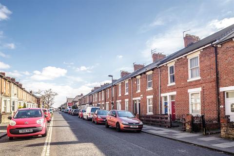 1 bedroom flat for sale - Bolingbroke Street, Heaton