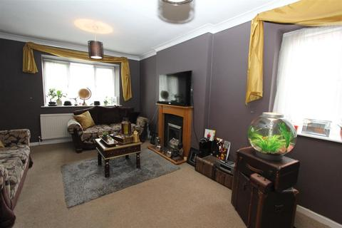 2 bedroom flat to rent - Wycliffe Drive, Moortown