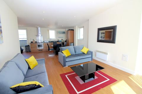3 bedroom apartment to rent - Meridian Bay, Maritime Quarter, Swansea,