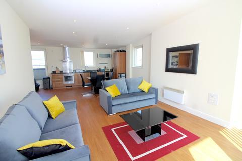 3 bedroom apartment to rent - Meridian Bay, Maritime Quarter, Swansea,
