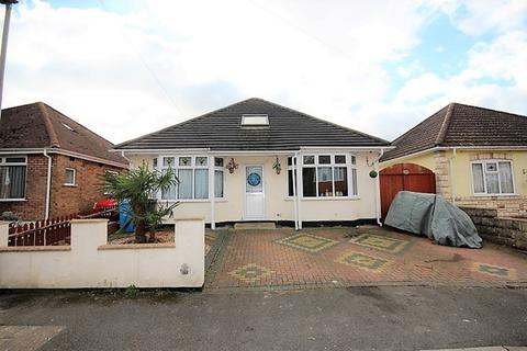 4 bedroom detached bungalow for sale - Heather View Road, Poole