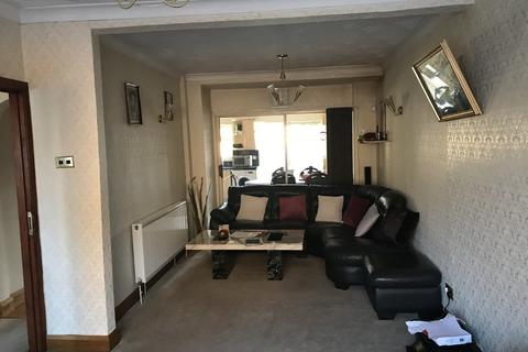 3 bedroom barn conversion to rent - Beresford Road, Southall