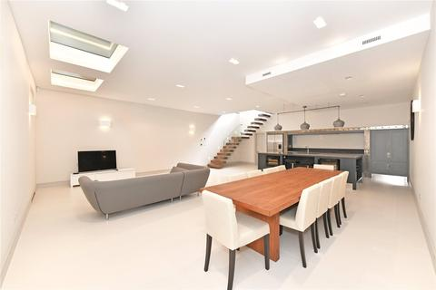4 bedroom mews to rent - Hyde Park Gardens Mews, London, W2