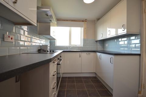 3 bedroom semi-detached house to rent - Garrick Road, Bath, BA2