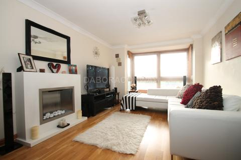2 bedroom apartment to rent - Hollybush Hill, Wanstead E11