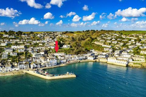 4 bedroom terraced house for sale - 70 yards from St Mawes Harbourside