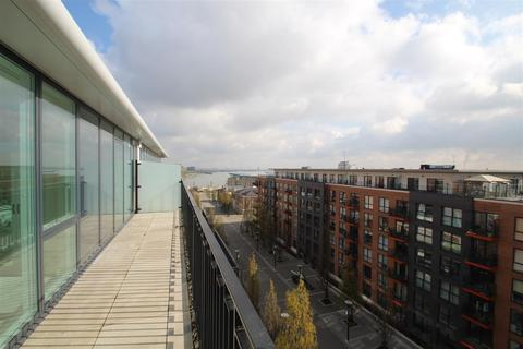 2 bedroom flat to rent - Amphion House, 5 Thunderer walk, Royal Arsenal