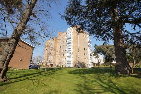 3 bedroom flat to rent - Pittville GL52 3JT