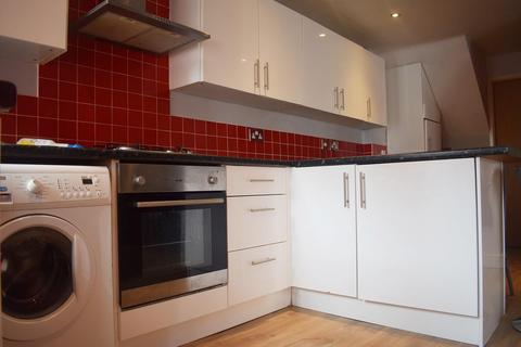 7 bedroom house to rent - Wellington Road, Fallowfield, Manchester