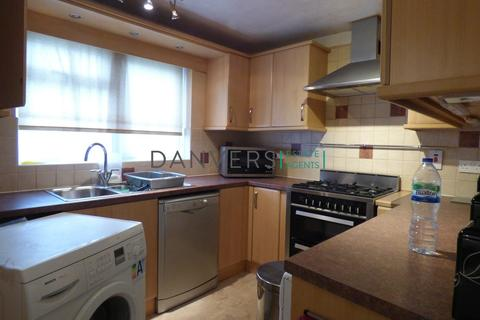 6 bedroom terraced house to rent - Dane Street