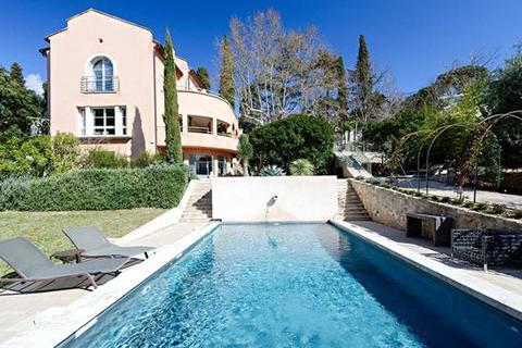 5 bedroom detached house  - Villeneuve Les Avignon, Gard, Languedoc-Roussillon