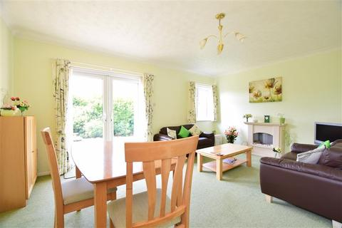 2 bedroom detached bungalow for sale - Millfield, St Margarets-At-Cliffe, Dover, Kent