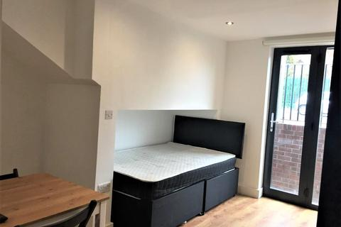 Studio to rent - 137A Upper Hill Street, Liverpool, L8