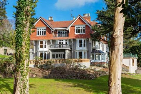 27 bedroom house  - Killiney Hill Road, Killiney, County Dublin