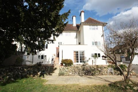 2 bedroom flat to rent - The Ridge, Woking, GU22 7EF