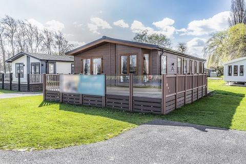 2 bedroom lodge for sale - Atlas Lilac, Billing Aquadrome, NN3 9DA