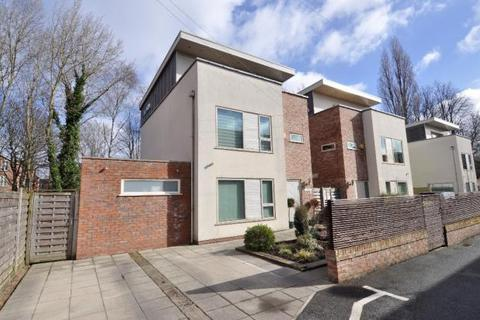 4 bedroom detached house to rent - Claremont Avenue, Manchester M20