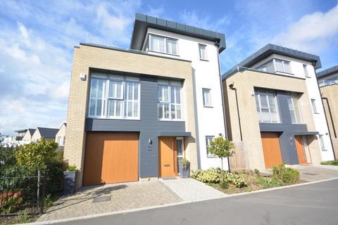 3 bedroom detached house to rent - Joseph Clibbon Drive, Springfield, Chelmsford, Essex, CM1