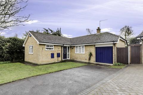 2 bedroom bungalow for sale - Bargrove Road, Kent, ME14