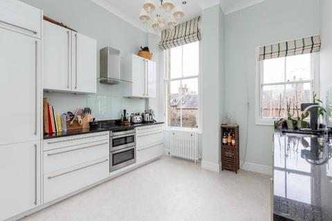 2 bedroom flat to rent - Belgrave Place , West End, Edinburgh, EH4 3AN