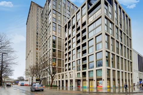 3 bedroom apartment for sale - Southbank Place, London, SE1