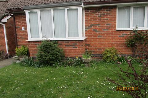 2 bedroom semi-detached bungalow to rent - Margaret Anne Road, Oadby, Leicester LE5