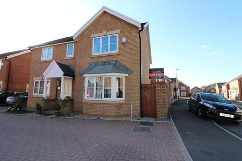 4 bedroom detached house for sale - Copper Beech Drive