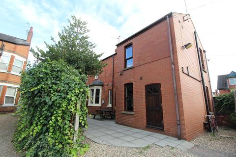 1 bedroom house share to rent - Room 9 with Shower room, St Catherine Street, Lincoln, LN5