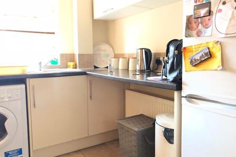 2 bedroom flat to rent - Azalea Close, Hanwell, W7