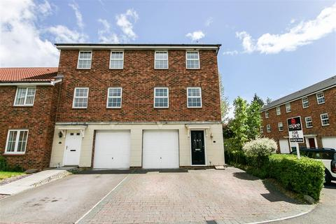 3 bedroom end of terrace house to rent - Avro Close, Southampton