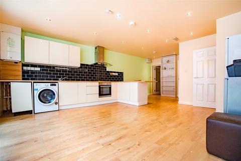 3 bedroom apartment to rent - Bank Street, Ashford, Kent, TN23