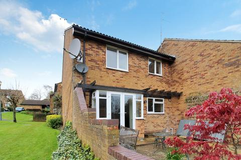 3 bedroom end of terrace house to rent - The Weavers, Old Town, Swindon, SN3
