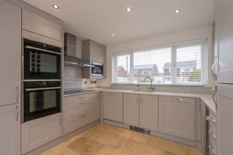 3 bedroom detached house to rent - Gloucester Way, Chichester