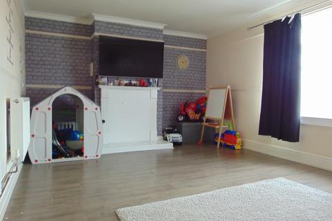 3 bedroom flat for sale -  Greenwich Avenue, Bilton Grange, Hull, HU9