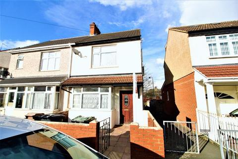 3 bedroom semi-detached house for sale - Family Home on Sherwood Road, Luton