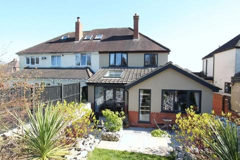 3 bedroom semi-detached house for sale - Tittensor Road, Clayton