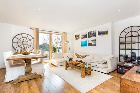 2 bedroom flat for sale - Wingate Square, Clapham Common, London, SW4