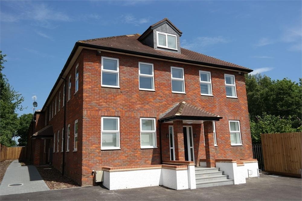 1 Bedroom Flat for sale in Porters Wood, ST ALBANS, Hertfordshire