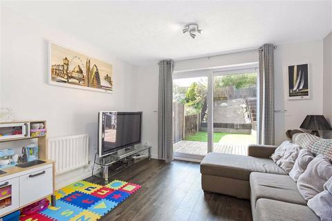 2 bedroom end of terrace house for sale - Farrier Close, Bromley, Kent
