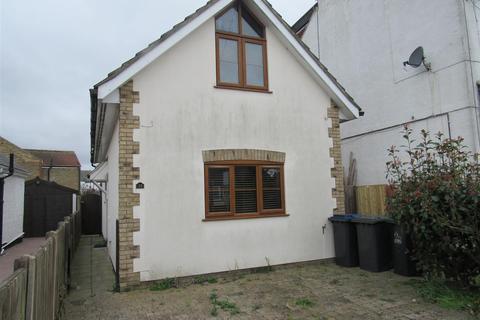 2 bedroom detached house for sale - Grand Drive, Herne Bay