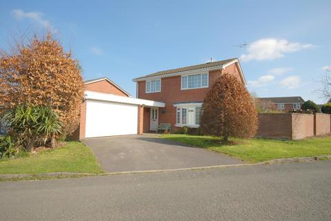 4 bedroom detached house for sale - Ripon Drive, Wistaston, Crewe