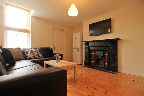6 bedroom house share to rent - Room 1 In 95 Helmsley Road, Sandyford