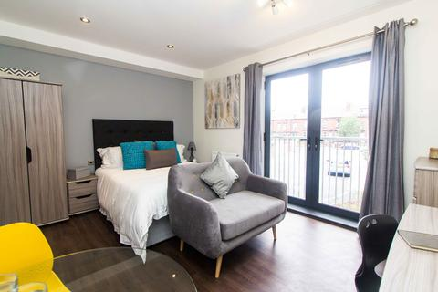 1 bedroom apartment to rent - Apartment 14, 83 Cardigan Lane, Headingley