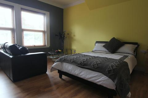 1 bedroom property to rent - Flat 5, 18 St Johns Terrace, University