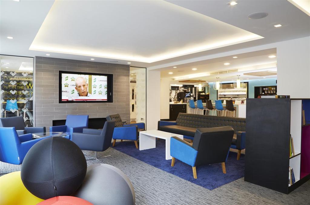 ?ICONINC Cyan Studios Lounge 2 RT.jpg