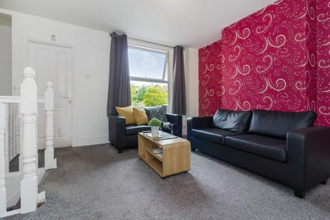 5 bedroom property to rent - Flat 1, 390 Kirkstall Road, Burley